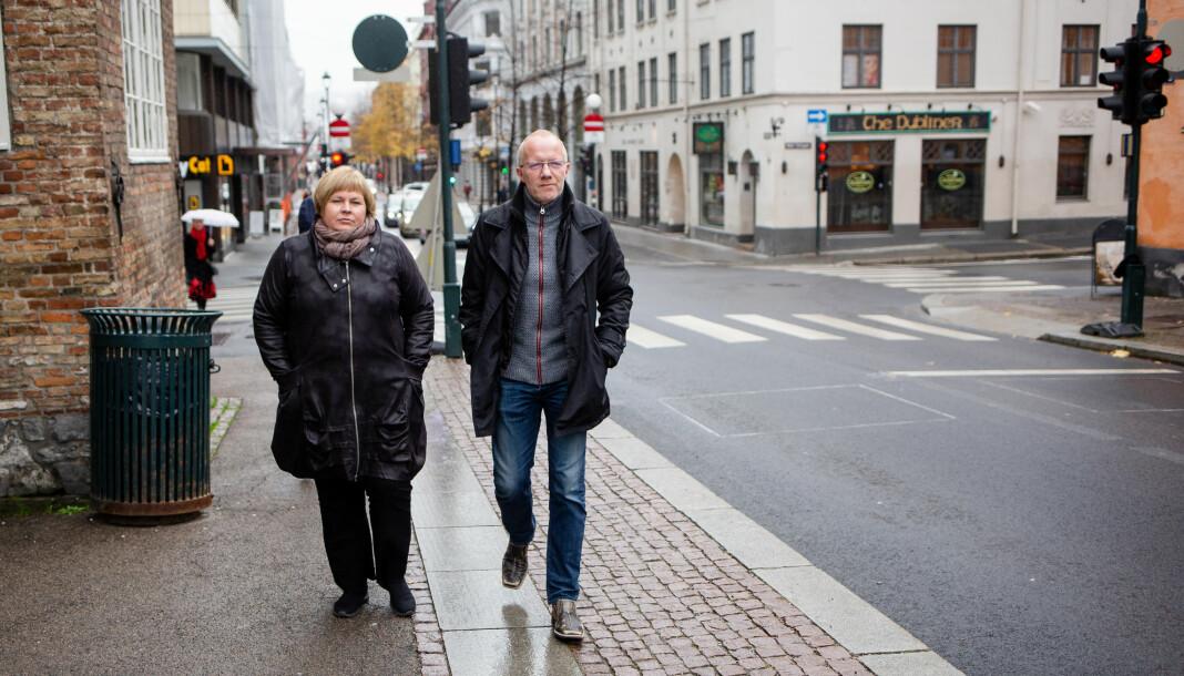 Generalsekretærene Elin Floberghagen og Arne Jensen i henholdsvis Norsk Presseforbund og Norsk Redaktørforening, er svært kritiske til sykehusene. Foto: Eskil Wie Furunes