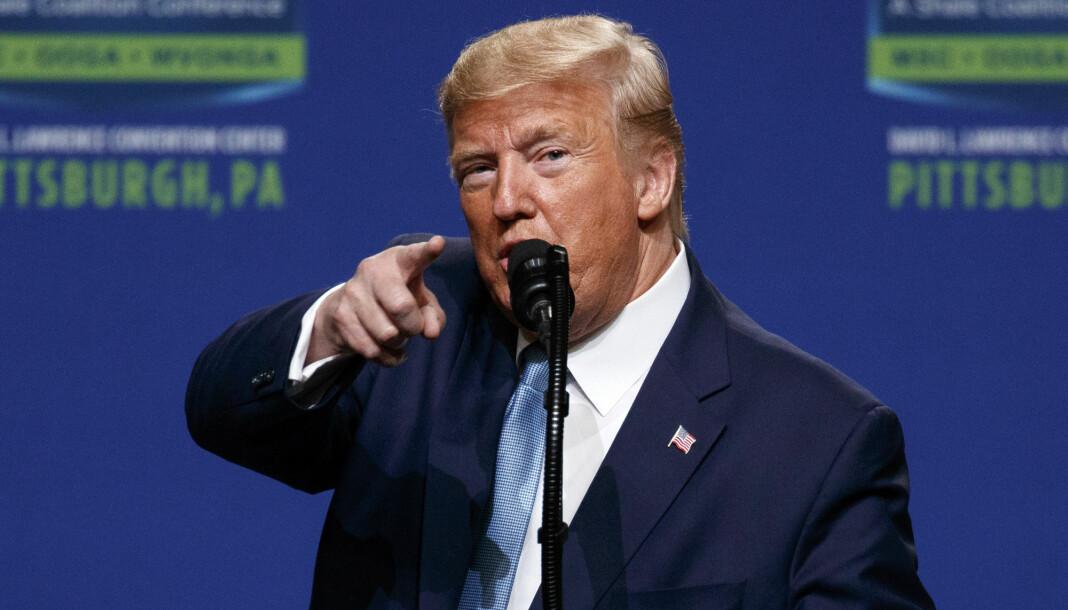 President Donald Trump er lei av å bli kritisert av New York Times og Washington Post. Foto: Evan Vucci / AP / NTB scanpix