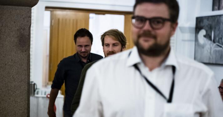 Aftenposten-journalistene Carl Alfred Dahl, Henning Carr Ekroll og Fredrik Hager-Thoresen fikk diplom for arbeidet med Stortingsregnskapene. Foto: Annika Byrde / Skup