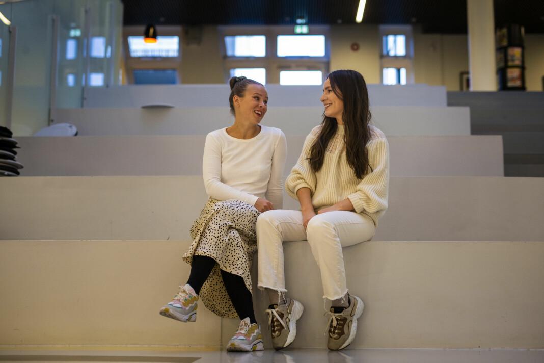Martine Lunder Brenne og Sonia Vold møtes et par ganger i måneden for å spille inn podkasten «God Mor». Foto: Kristine Lindebø