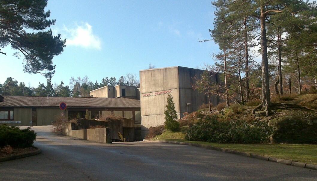 Mediehøgskolen på Gimlekollen i Kristiansand skal bytte ut et verdidokument som blir forelagt alle som søker jobb der. Foto: Bjoertvedt / CC BY-SA 3.0 / Wikimedia