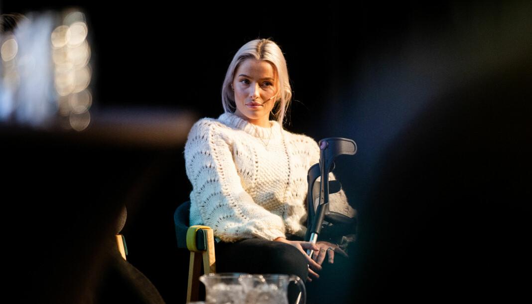 Sofie Bakkemyr på scenen under høstmøtet til Norsk Redaktørforening i Tromsø i 2019.