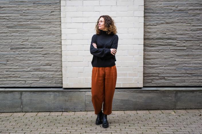 Universitetslektor Ellen Lande Gossner mener måten en ser verden på bør utfordres. Foto: Kristine Lindebø