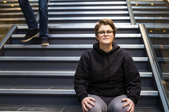 Fotojournalistikk-student Giulia Troisi håper hun en dag skal ut i en av fotoredaksjonene, der det i dag nesten bare er menn. Foto: Kristine Lindebø