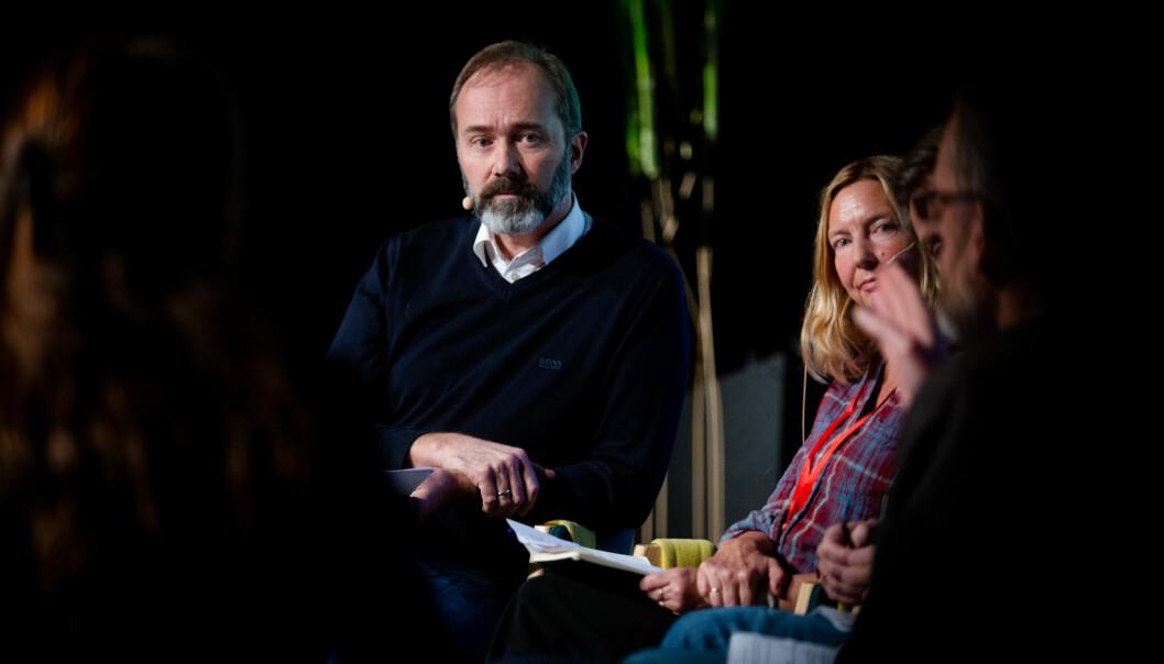 Trond Giske og TV 2-journalist Elin Sørsdahl deltok i debatt under konferansen Svarte Natta i Tromsø. Foto: Eskil Wie Furunes
