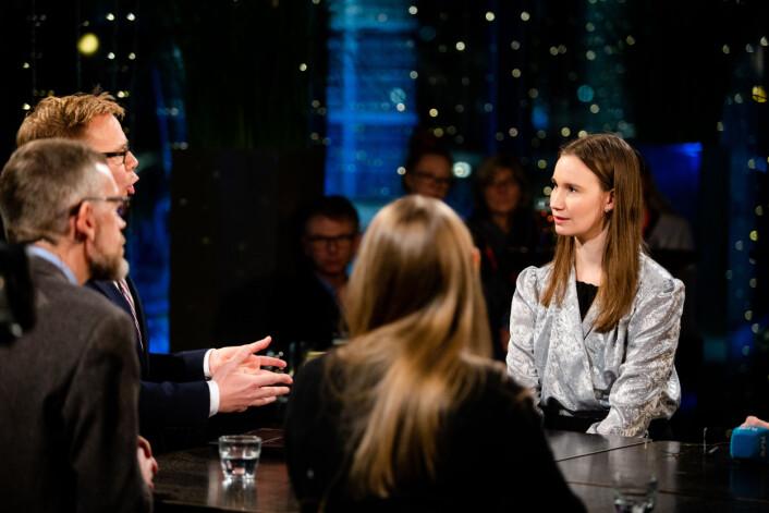 Espen Aas stiller kritiske spørsmål til varsler Sunniva Andreassen under Dagsnytt 18.