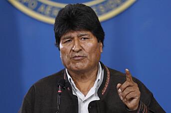 Bolivias president Evo Morales under en pressekonferanse på den militære flyplassen i El Alto i Bolivia lørdag. Foto: Juan Karita / AP / NTB scanpix