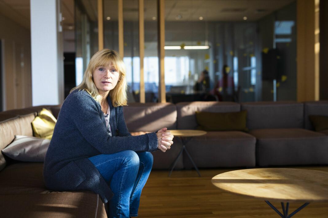 VG-fotograf Line Møller opplever stadig at kilder blir overraska fordi hun, fotografen, er kvinne. Det plager henne ikke, men viser at det ennå er en vei å gå, mener hun. Foto: Kristine Lindebø