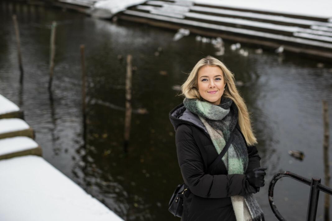 Cicilie S. Andersen har lenge frilanset som fotojournalist, men starter nå i fast jobb i NRK. At de satser på fotojournalistikk mener hun andre redaksjoner bør ta til seg. Foto: Kristine Lindebø