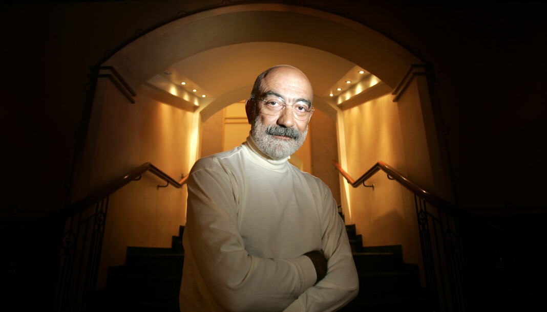 Den tyrkiske journalisten og forfatteren Ahmet Altan, som ble løslatt fra fengsel i forrige uke, ble tirsdag pågrepet på nytt av tyrkisk politi. Bildet er fra da Altan var på norgesbesøk i 2004. Foto: Heiko Junge / NTB scanpix