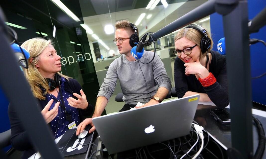 Lars Glomnes sammen med sine Aftenpodden-partnere - Trine Eilertsen og Sarah Sørheim. Foto: Aftenposten