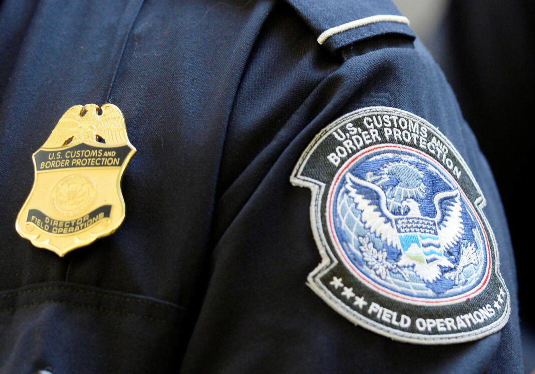 Tidligere denne uka slo en føderal dommer i Boston fast at amerikanske tollere og grensevakter ikke uten videre kan søke gjennom mobiler og datamaskiner ved grensepasseringer. Foto: Reuters / NTB scanpix