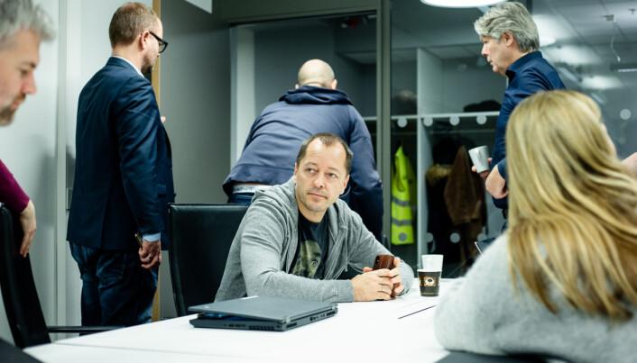 Nyhetsredaktør René Svendsen under morgenmøtet i Nettavisen.