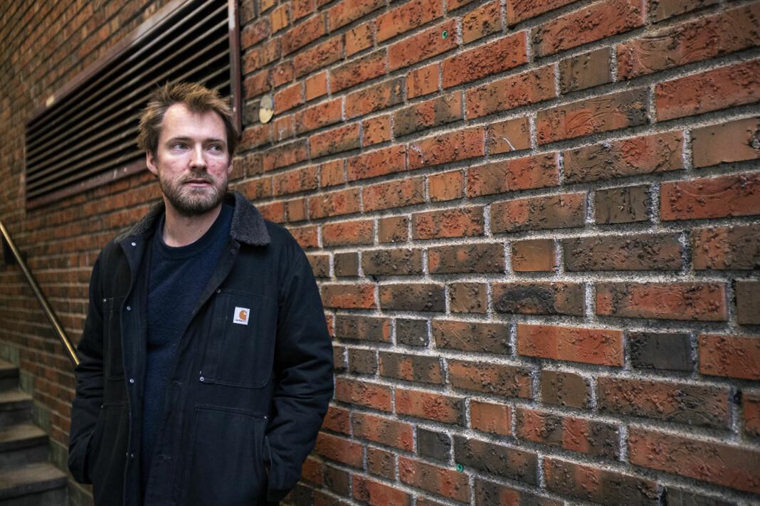 Tidligere Dagens Næringsliv-journalist Ole Øyvind Sand Holth er aktuell med boka En helvetes jobb.