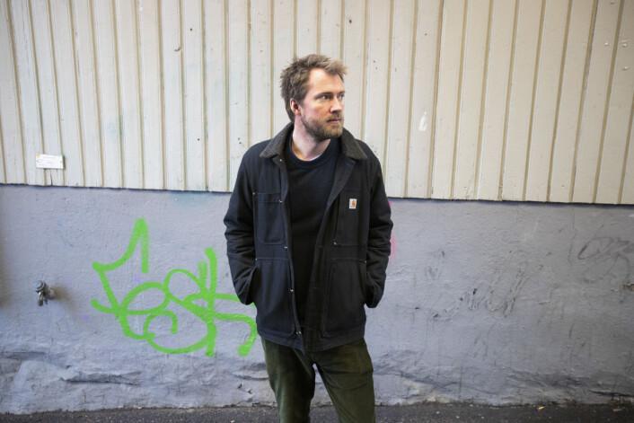 Ole Øyvind Sand Holth sier at han ikke har hatt tilgang til alt, og heller ikke forsøkt å skrive ei bok om hele Syria-krigen..