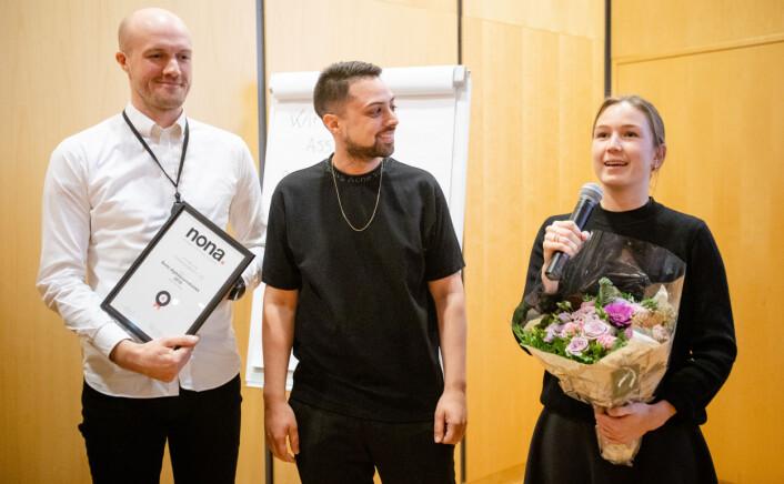 Erlend Ofte Arntsen, Kristoffer Kumar og Natalie Remøe Hansen mottar pris.