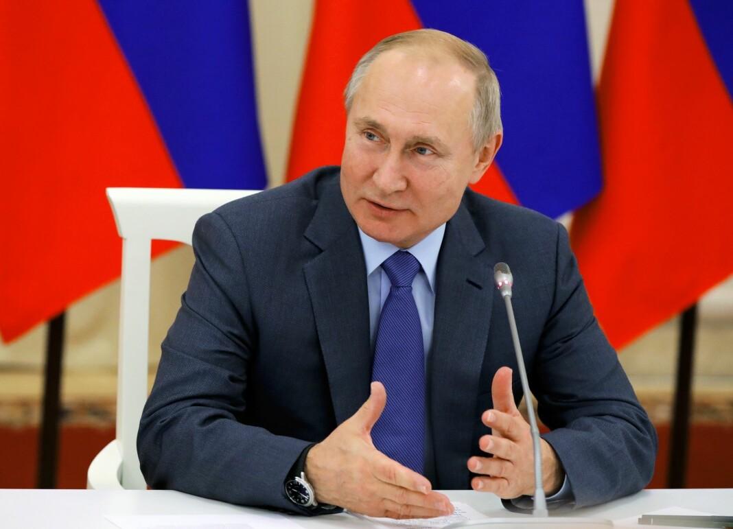 Russlands president Vladimir Putin vil stramme inn på hva journalister, bloggere og brukere av sosiale medier kan ytre seg om. Foto: AP / NTB scanpix