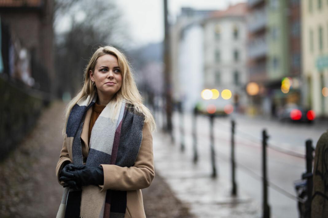 Cecilie Fjellhøy har gjort seg en mengde erfaringer med norske og utenlandske medier det siste året. Ikke alle like gode. Foto: Kristine Lindebø