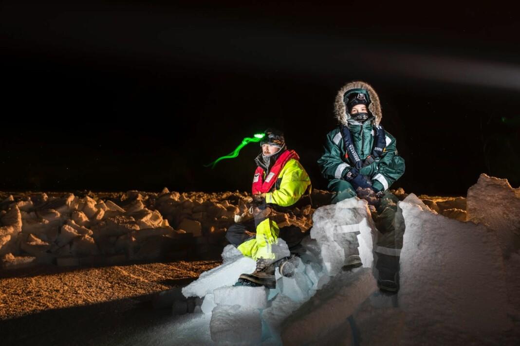 Oppholdet på «Lance» har gitt fotograf Jørgen Braastad tid til å leke seg med blant annet dobbelteksponerte bilder. Her med journalist Oda Leraan Skjetne.