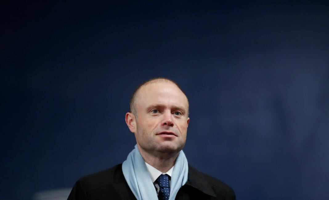 EU-parlamentet ber Maltas statsminister Joseph Muscat om å fratre umiddelbart for å unngå at en drapsetterforskningen blir kompromittert.