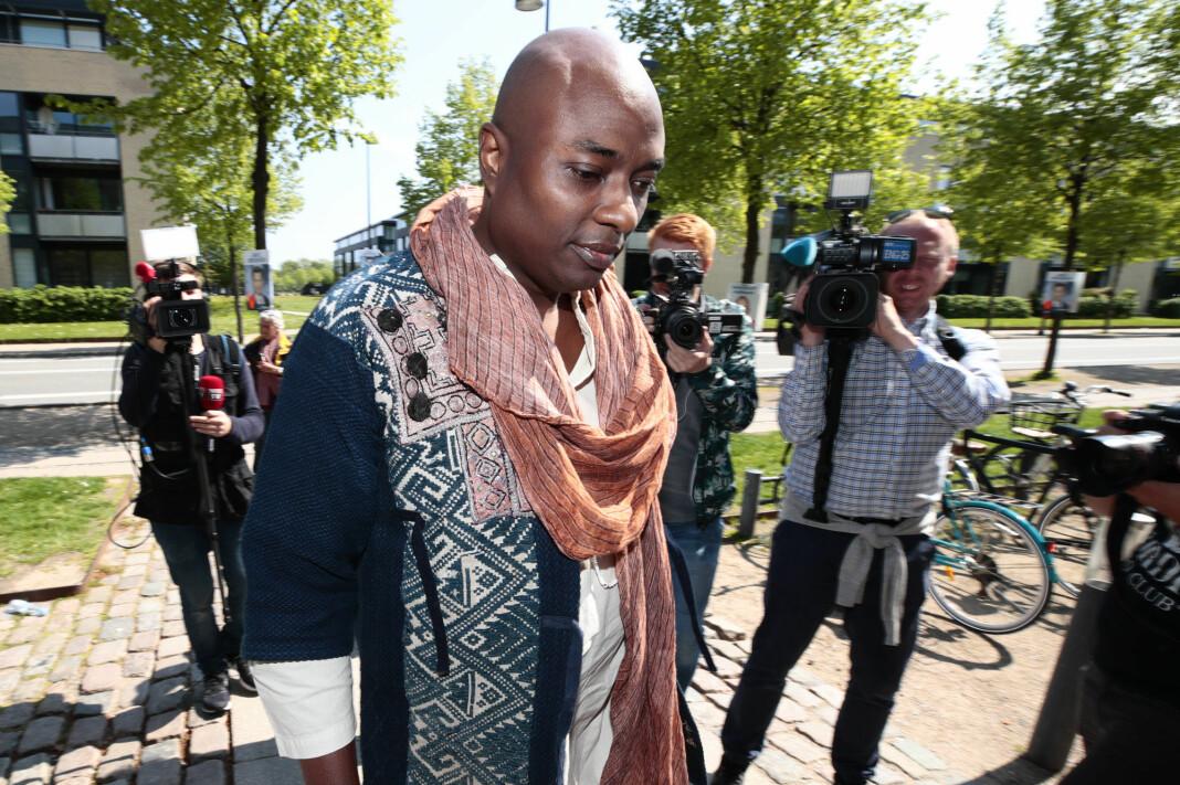 Den selverklærte sjamanen Durek Verrett ba ifølge VG sin ekskjæreste om å signere en taushetsavtale.