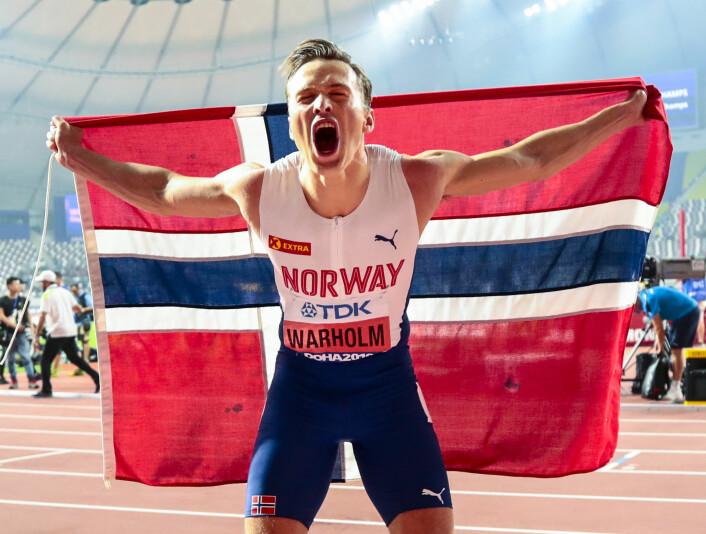 Karsten Warholm smadret konkurrentene og tok gull på 400 meter hekk i friidretts-VM. Da kom seiersbrølet. Foto: Lise Åserud / NTB scanpix