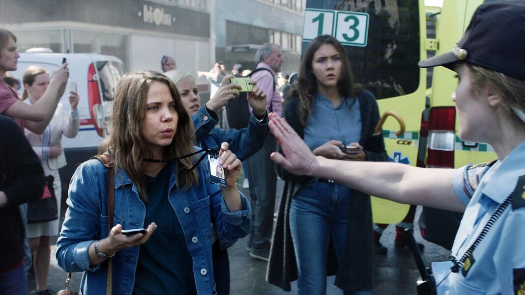 Karakteren Anine Welsh (spilt av Alexandra Gjerpen) er ikke basert på en ekte person, men er en representasjon av flere journalister som jobbet med 22. juli.