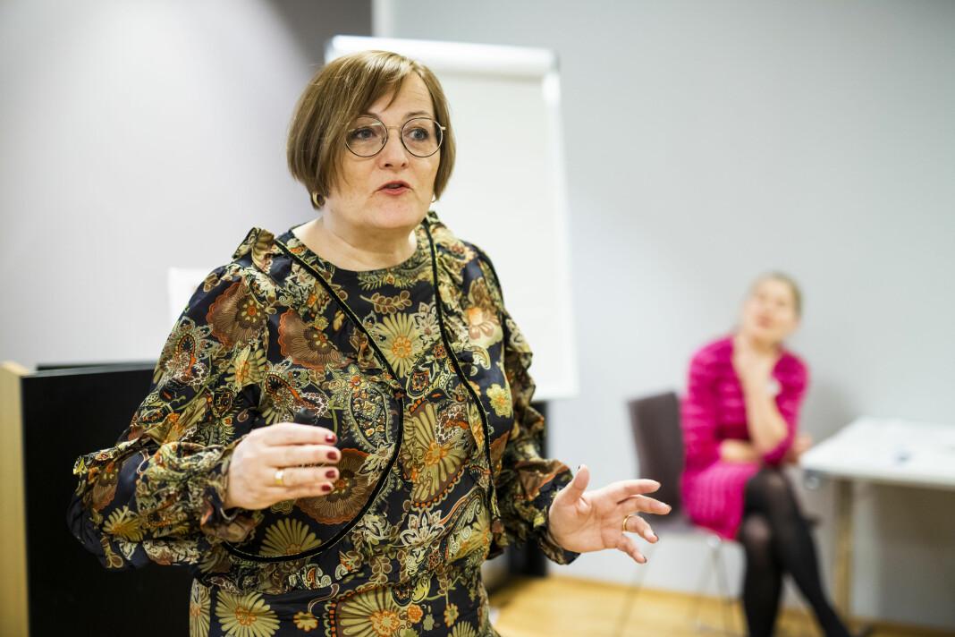 Styreleder Tove Nedreberg i Mediebedriftenes Landsforbund (MBL) presenterte undersøkelsen om kvinneandel i mediebedriftene.