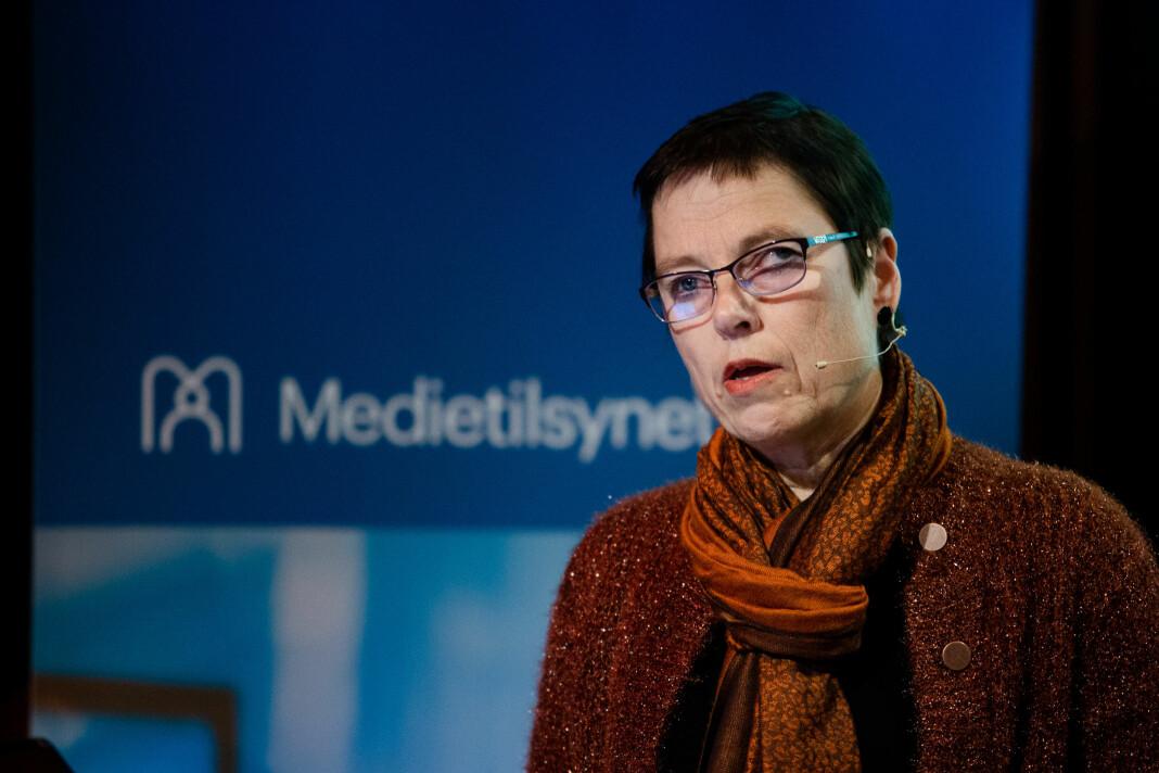 Mari Velsand, direktør i Medietilsynet, med nye tall om inntektsfall etter koronakrisen traff Norge.