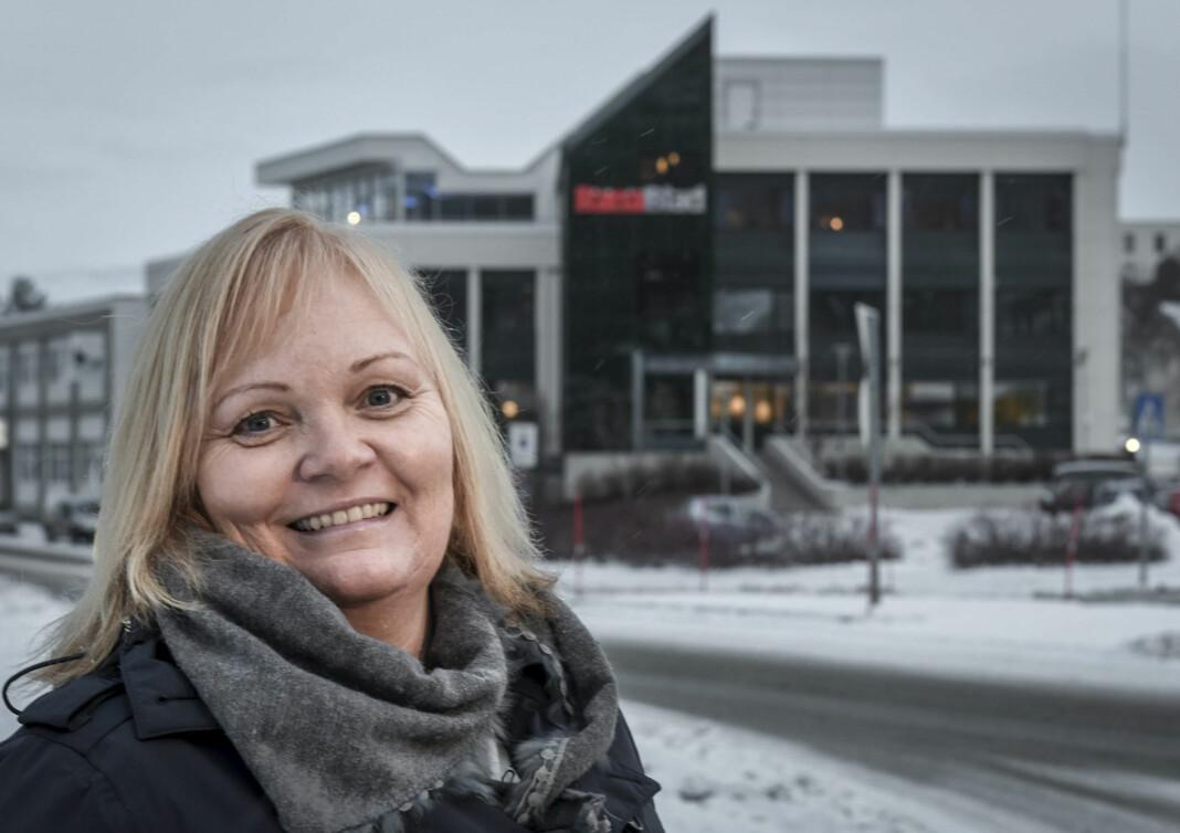 Marit Ulriksen, sjefredaktør i Rana Blad, reagerer på at styret i Helse Nord jobbet bak lukkede dører i en pause. Helse Nord avviser at det var dette som skjedde.