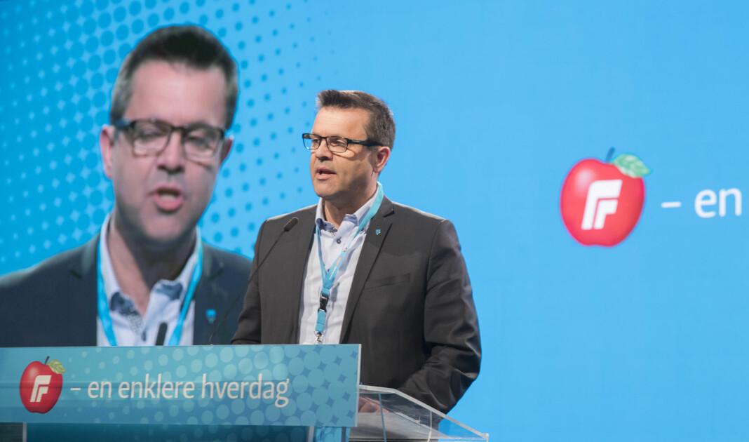 Fylkesleder Frank Sve i Møre og Romsdal Frp støtter partilagets avgjørelse om å si opp abonnementet på Sunnmørsposten etter en kritisk lederartikkel.