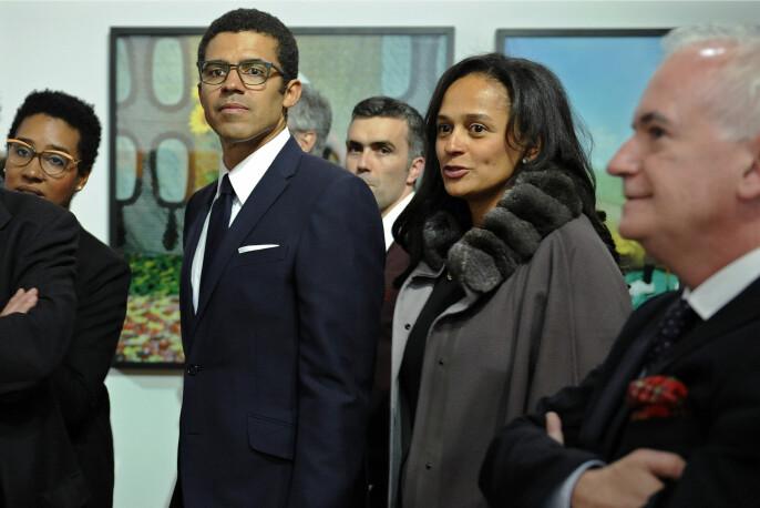Isabel dos Santos og ektemannen, kunstsamleren Sindika Dokolo, under åpningen av en kunstutstilling i Porto i Portugal i mars 2015.