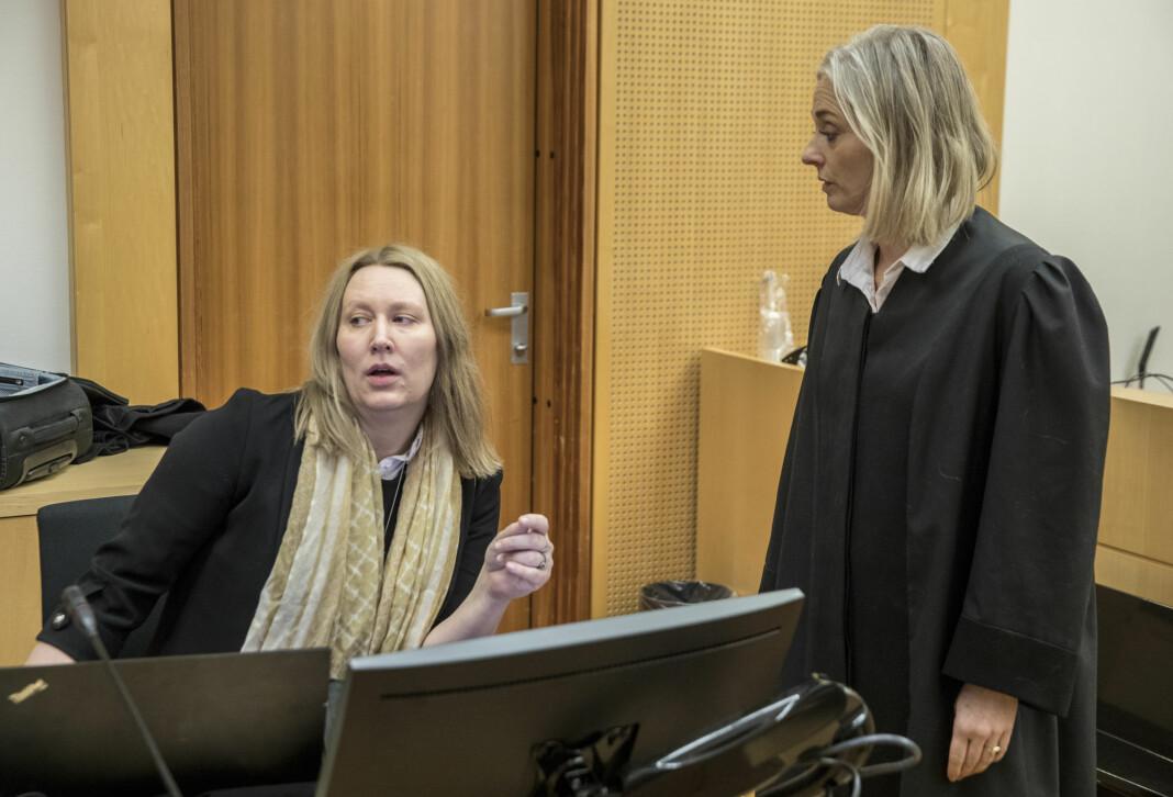 Forsvarer Elisabeth Myhre og aktor Trude Antonsen (t.h.) under rettssaken mot en mann i 40-årene med bakgrunn fra kultur og medier.