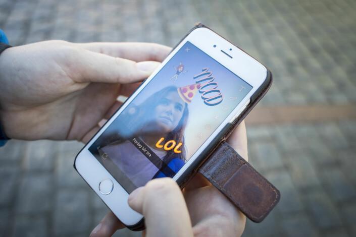 80 prosent av alle barn og unge i alderen 9-18 år bruker Snapchat. Foto: Mia Oshiro Junge / NTB scanpix
