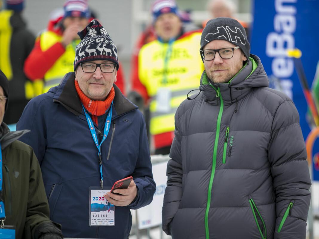 NTB-journalistene Egil Sæther (t.v) og Stian Grythaugen hadde nok å gjøre under NM på ski.