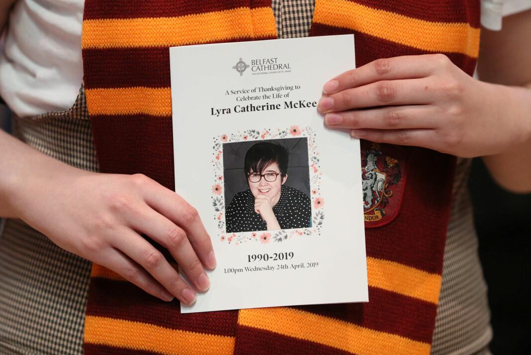 29 år gamle Lyra McKee ble skutt og drept da hun dekket sammenstøt mellom politi og demonstranter i Derry.