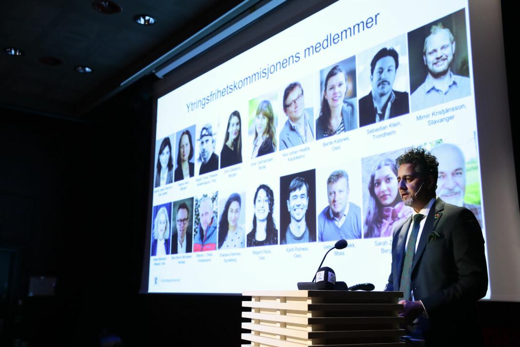 Kultur- og likestillingsminister Abid Raja presenterte fredag den nye ytringsfrihetskommisjonen på Litteraturhuset i Oslo.