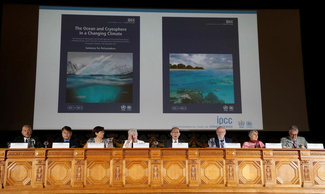 Bildet er fra et møte i Intergovernmental Panel on Climate Change (IPCC) i Monaco høsten 2019.
