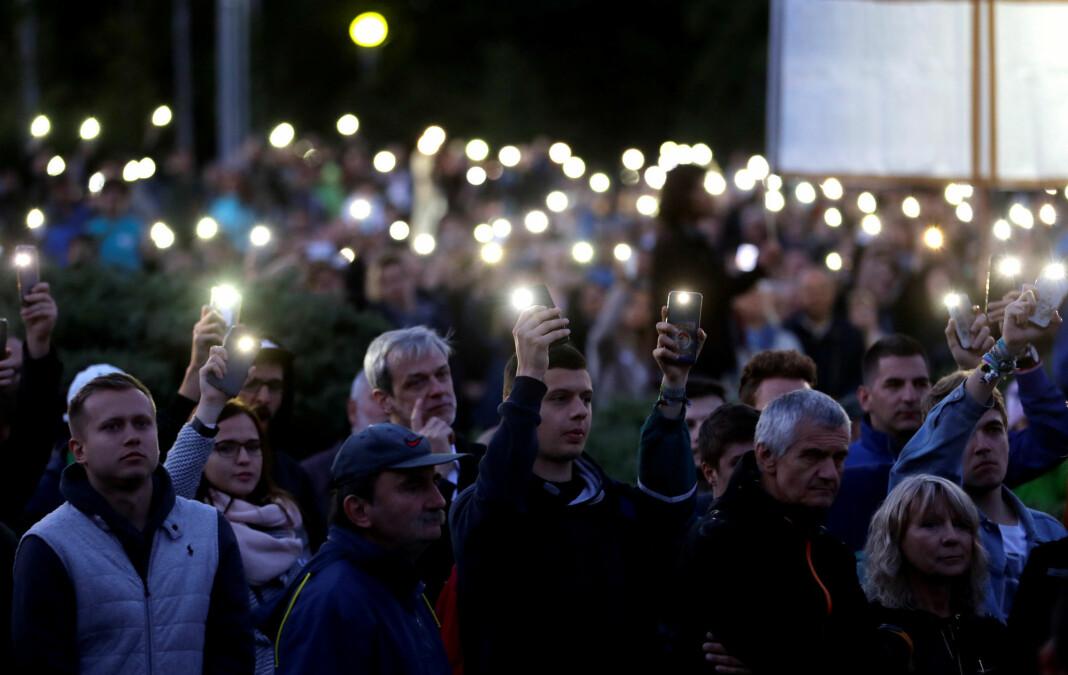 Øyvind Strømmen saknar ofte journalistikk om Europa i norske aviser. Her protesterer folk mot Slovakias regjering eit år etter drapet på gravejournalist Jan Kuciak og forloveden Martina Kusnirova.