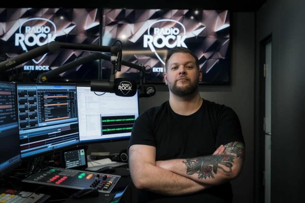 Jørn Kaarstad skal spille «ekte rock» i Radio Rock framover, i tillegg til å turnere med Bokassa.