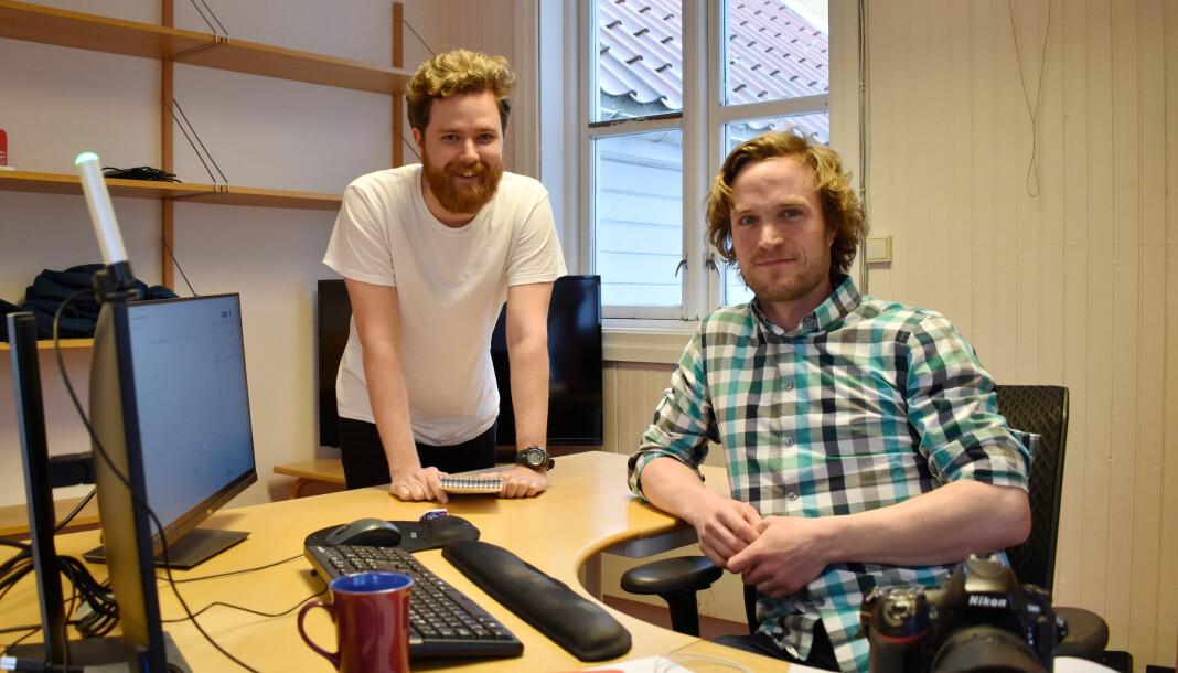 Truls Bjørkum Larsen (t.v) og Christian Nøstebø har fått jobb i Lillesands-Posten.
