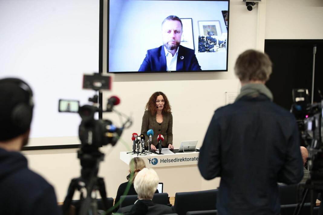 NORGE: Helsedirektør Bjørn Guldvog og direktør i Folkehelseinstituttet Camilla Stoltenberg, samt helseminister Bent Høie på Skype, holder sin daglige pressekonferanse i forbindelse med koronaviruset på Helsedirektoratet.