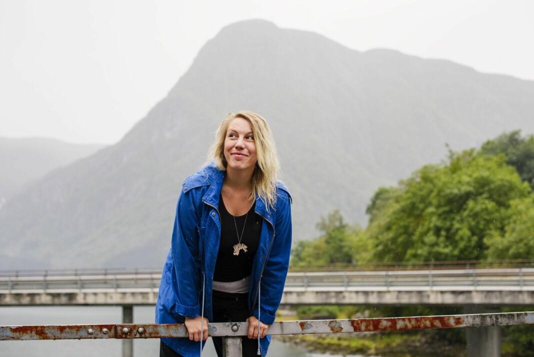 Frilansfotograf Ingerid Jordal prøver å tenke positivt, og finne alternative løsninger, nå som koronaviruset påvirker jobben hennes.