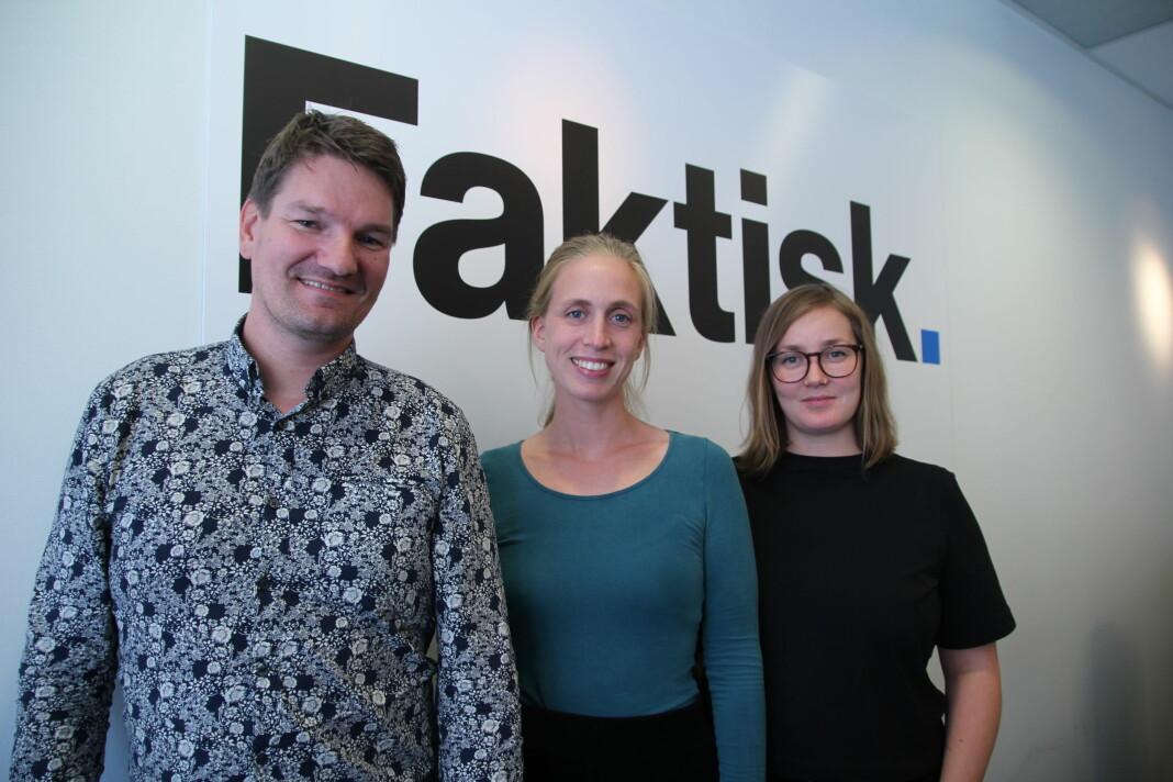 Sølve Kuraas Karlsen Vilde Kaasen Krogsrud og Marie Samuelsen vil gjøre lærere i stand til å lære ungdom om kritisk mediebruk – også nå når skolene er stengte.