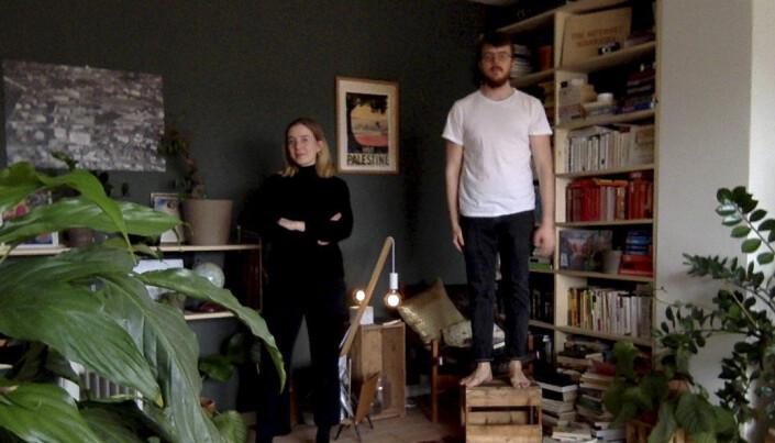 Dokumenterer folks nye hjemmehverdag gjennom dårlige webkamera