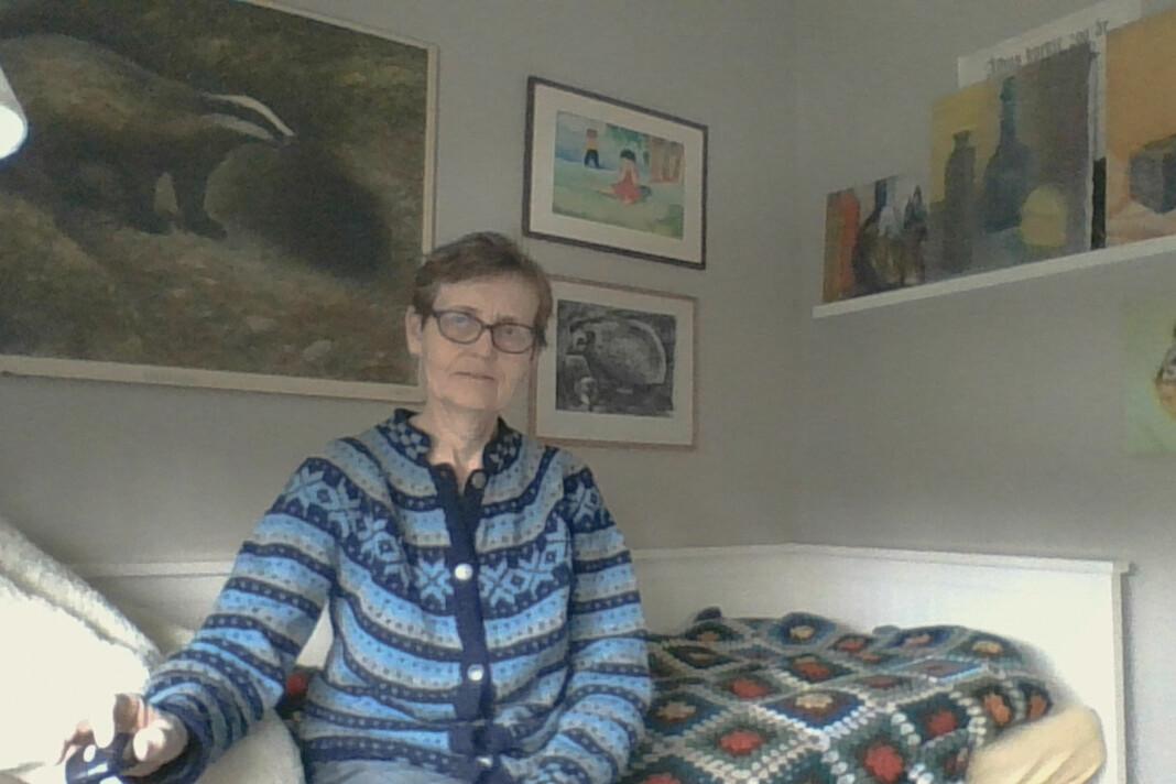 Kjellaug Lien (63) Rektor, Tjøme. – Hjemmekontor fordi skolen er stengt. Mye jobb, og mer stress enn ellers. Mailer og telefoner i ett sett.