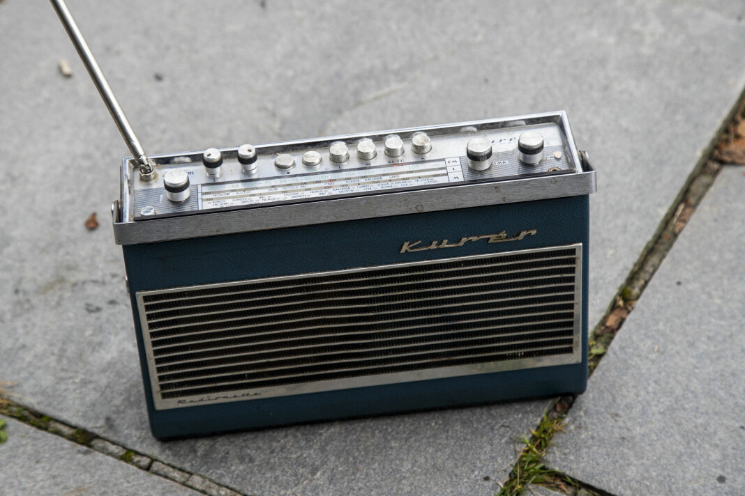 Her er en gammel Kurér FM-radio.