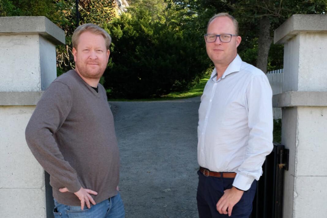 Styreleder Øystein Øygarden (t.v.) og generalsekretær Tomas Bruvik i Landslaget for lokalaviser.