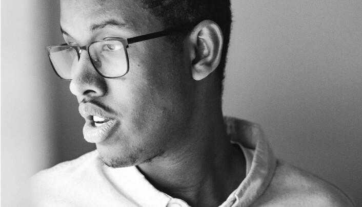 Journaliststudent Abdirahman Hassan er leder for NJs studentklubb på Oslo Met og bekymra for utsiktene for årets sommervikarer.