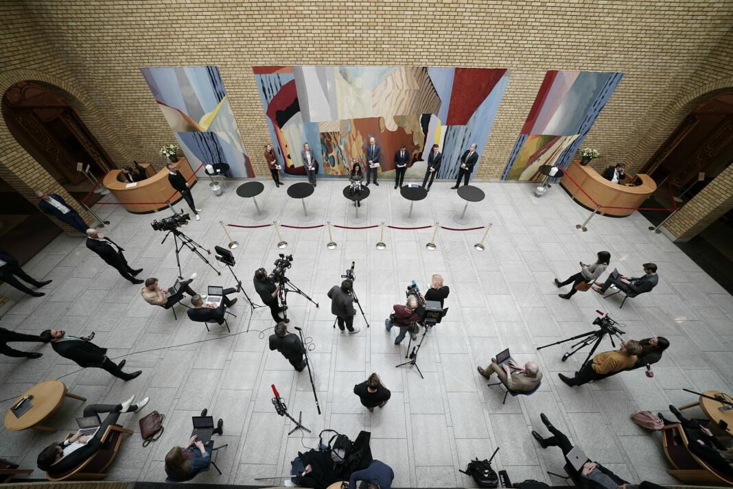 Pressekonferanse på Stortinget etter forhandlingene med regjeringen om en tredje krisepakke.